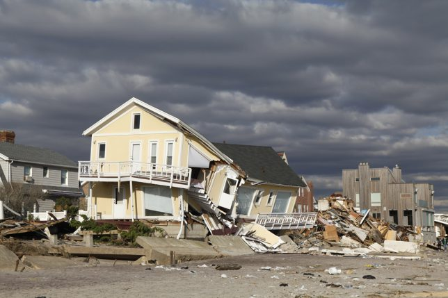 Preparing For Natural Disasters: Floods, Hurricanes, Tornadoes And Earthquakes