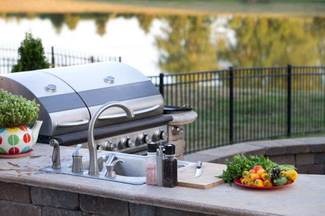 Tips For Building An Outdoor Kitchen